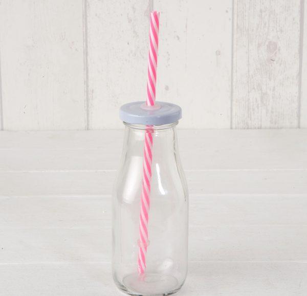 Botella de cristal con tapa y caña rosa