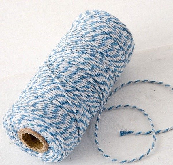 Cordón hilo azul